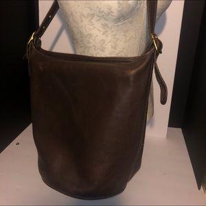 Coach bucket purse J8H -4161 very nice